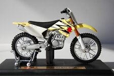 MAISTO  SUZUKI RM Z250 1/18 HIGHLY DETAILED MODEL
