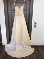 Brautkleid vanillefarben A-Linie Größe 38 + Zubehör