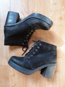 Topshop Women's Black Lace Up Leather Chunky Heeled Ankle Boots Size 4 Free Gift