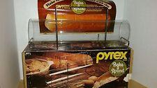 Vintage - PYREX BAKE A ROUND by Corning in original box