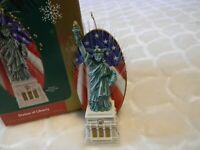 Statue of Liberty Carlton Heirloom Ornament No. 81 Fiber optic lights