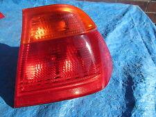 Orange et rouge feu arrière lentille E / S de pilotes de BMW 318 i E46 Saloon 1998 se