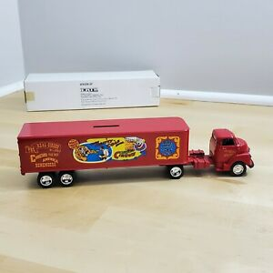 Ertl Clyde Beatty Cole Circus 1937 Ford Tractor & Trailer Bank Key and Box