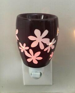 New Retired Scentsy Lei Plug In Wax Warmer Purple White Floral ~ no box