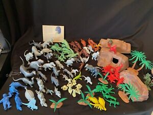 *Vtg Marx Prehistoric Playset Plastic Figures Mountain Dinosaurs & Caveman Trees