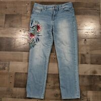 Chico's Blue Denim Womens Size 00 Floral Embroidered So Slimming Girlfriend Crop