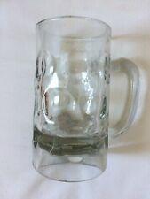 Ancienne chope à bière en verre alvéolé bistrot