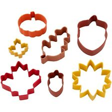 New listing Wilton Autumn Time 7 piece Cookie Cutter Set Leaf sunflower acorns Fall New