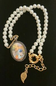 DISNEY COUTURE WINNIE THE POOH PEARL CAMEO STYLE PENDANT NECKLACE
