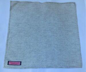New NWOT Men's Vineyard Vines gray Pin striped Pocket Square Handkerchief 12 in