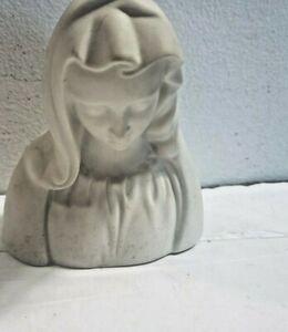 """Boehm Porcelain Sculpture 4.5"""" Madonna La Pieta Figurine U S A"""