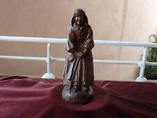 art populaire breton bigoudene en costume bois sculpté Mamm Goz