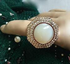 NEW ST JOHN KNIT SIZE 8  WOMENS DESIGNER JEWELRY GOLD RING WHITE PEARL LARGE