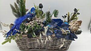 Weihnachtsgesteck Adventsgesteck Wintergesteck Weihnachten Vogel Kugeln Efeu ...