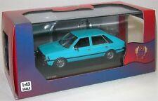 Voitures de rallye miniatures bleu en plastique 1:43