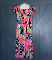 lilly pulitzer Womens Dress Size Med. Silk Pink Pattern . Bright Colors. Soft