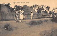 CPA AFRIQUE BANGUI UN VILLAGE INDIGENE