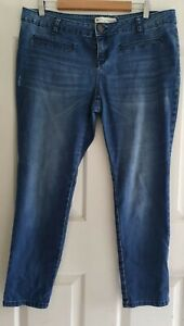 Ladies size 18 Blue Skinny Leg jeans - Hot Options