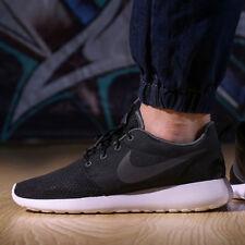 Nike Roshe One se in esecuzione Scarpe da ginnastica palestra casual-UK 8 (EU 42.5) Nero/Grigio scuro