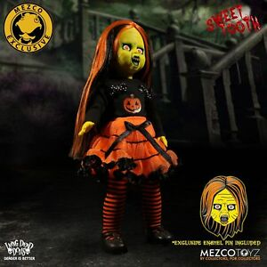 NYCC 2017 Exclusive Mezco Living Dead Dolls Sweet Tooth w Pin Halloween