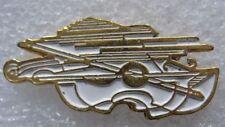 Pin's Instrument de Musique Un Double Violon Blanc Agion #D4