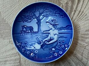 "Bing & Grondahl B&G Children's Day Plate 1992 NIB COA ""Summer Day In The Meadow"""