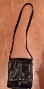 FOSSIL Black Soft Pebbled Leather Stitched Saddle Flap Saddle Swingpack Bag
