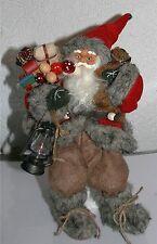 Weihnachtsmann Nikolaus sitzend Textil Utensilien 36cm GH 23 cm SiHö Weihnachten