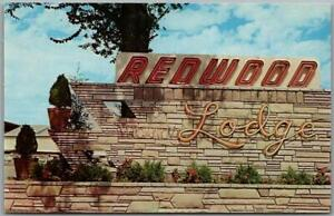 Farmington, New Mexico Postcard REDWOOD LODGE Hotel Roadside c1950s Chrome