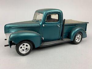 Vintage Monogram Ford V8 Pickup Truck Plastic MODEL KIT Built Junkyard Green