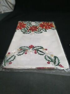 Vintage christmas Lurex Poinsettia Table topper square 36575 new in pack
