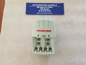 chargeur UNIROSS X-Press 150 Charges 2 ou 4 pcs AA ou AAA et 1 ou 2 9V