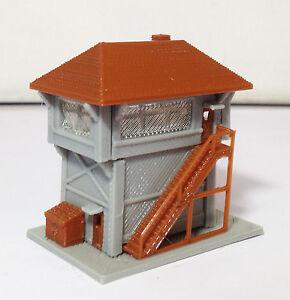 Outland Models Train Railway Layout Train Station Signal Box / Tower Z Gauge