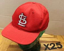 ST. LOUIS CARDINALS RED SNAPBACK HAT SIZE S/M EMBROIDERED VERY GOOD COND X25