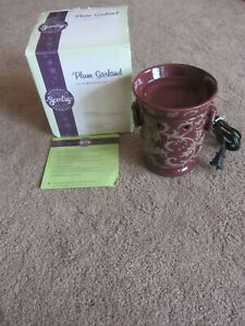 Scentsy Full Size PLUM GARLAND Warmer