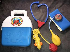 Sesame Street Doctors Kit Pressure Cuff Stethoscope Big Bird Case Vintage 1990