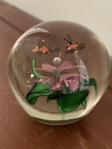 Vintage Paper-weight in glass with flowers and two bees