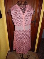 T 3-4   jolie robefemme  dentelle rose saumonné