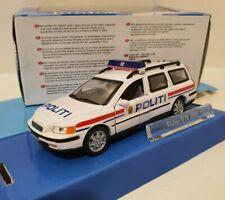 CARARAMA 1/43 Volvo V70 2000 Politi