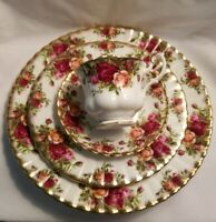 Royal Albert OLD COUNTRY ROSES 4 Piece Place Setting Made in England