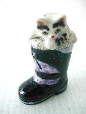 KLIMA K518 Miniature statuette en porcelaine - CHAT DANS CHAUSSURE BOTTE NOIR