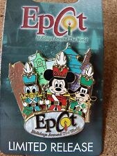 Epcot Holidays Around the World 2014 Lim. Rel. 3D  Mickey, Donald & Goofy pin
