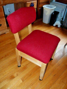 Stump Home Specialties Rolling Wheeled Sewing Chair Seat Storage (Local Pickup)