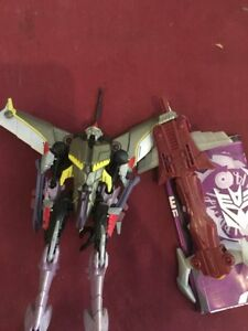 Starscream Transformers Prime Beast Hunters Complete. Sword & instructions