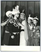 France, Théâtre Edouard VII. Raymond Pellegrin, Sylvia Monfort  Vintage . Franço