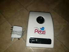 Petzi Treat Cam Wifi Pet Camera Treat Depsenser (H2)
