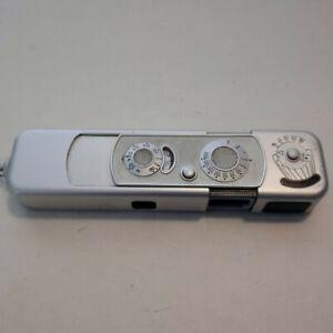 Minox 8x11 B Complan 1:3,5 f=15mm Miniaturkamera mit Tasche