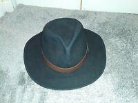 DISNEYLAND FRONTIERLAND VINTAGE  CAST MEMBER COWBOY HAT