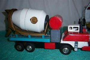 """Vintage Cement Mixer Truck Japan 1960's Tin Toy Cool Working old Truck 16 """" Long"""