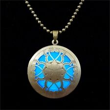 Medallion Pendant Necklace That Glows in The Dark Women's Jewelry Gift New 100%!
